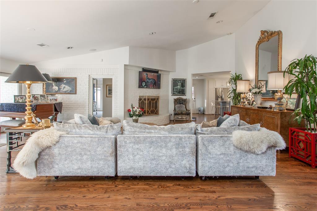 3813 Glenwood Drive, Fort Worth, Texas 76109 - acquisto real estate best prosper realtor susan cancemi windfarms realtor