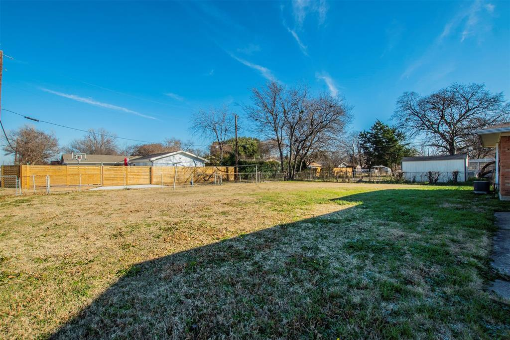1317 Crockett Street, Garland, Texas 75040 - acquisto real estate best realtor dallas texas linda miller agent for cultural buyers