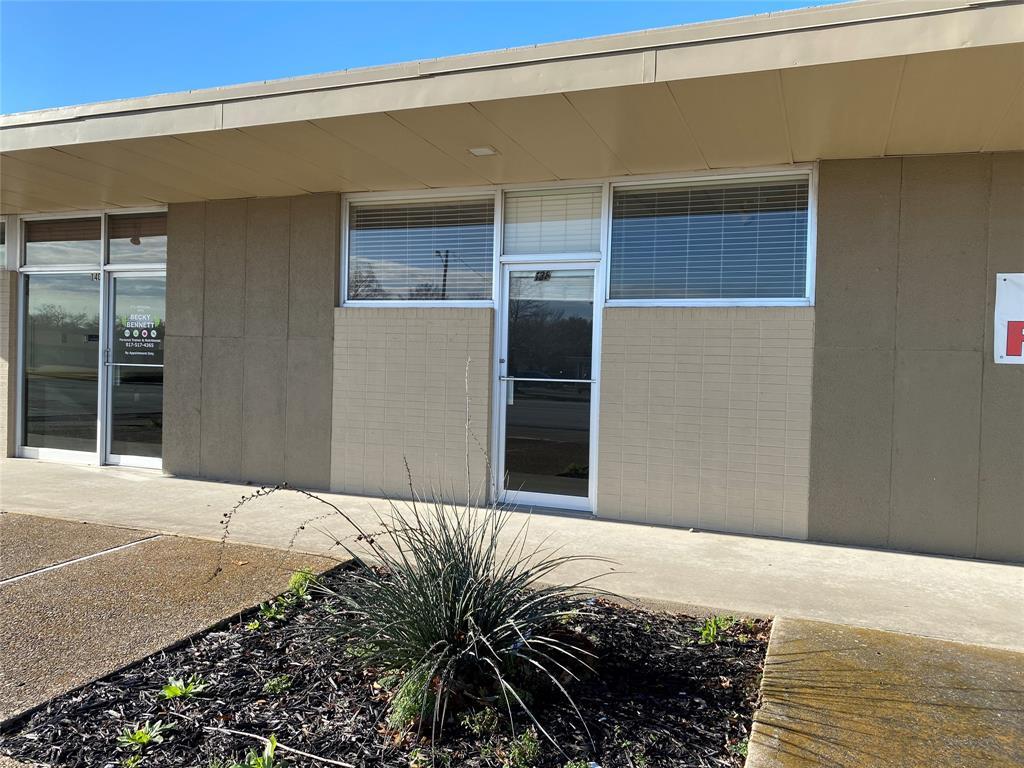 138 Ridgeway Cleburne, Texas 76033 - Acquisto Real Estate best frisco realtor Amy Gasperini 1031 exchange expert