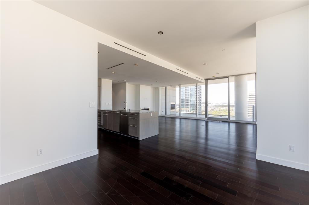 2900 Mckinnon  Street, Dallas, Texas 75201 - acquisto real estate best investor home specialist mike shepherd relocation expert