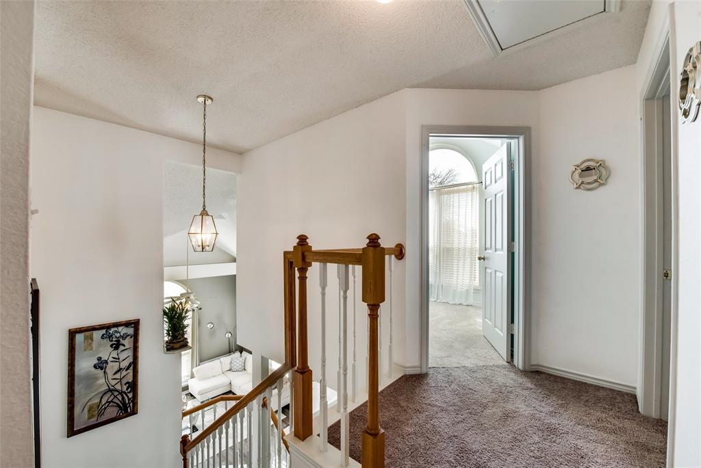 18934 Ravenglen Court, Dallas, Texas 75287 - acquisto real estate best realtor foreclosure real estate mike shepeherd walnut grove realtor