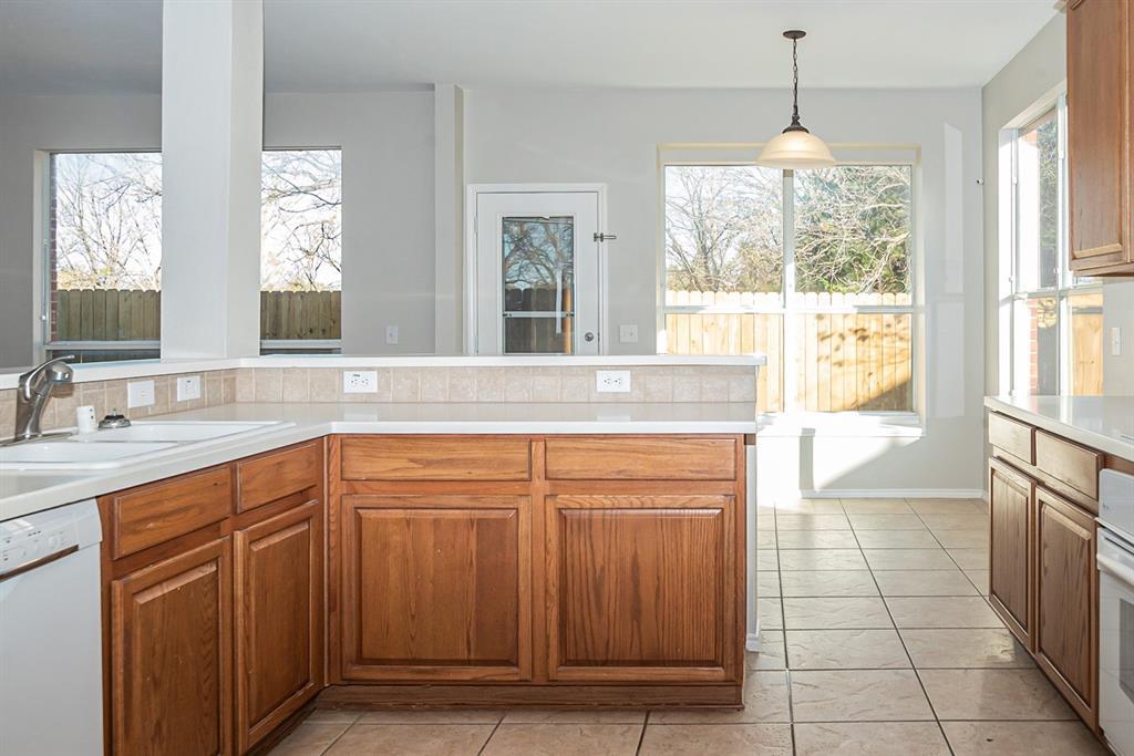 3920 Lochridge Court, North Richland Hills, Texas 76180 - acquisto real estate best highland park realtor amy gasperini fast real estate service