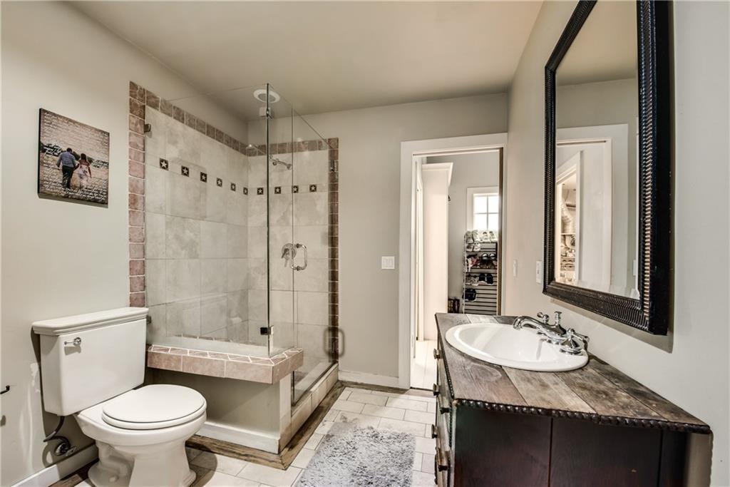 3706 Versailles Avenue, Dallas, Texas 75209 - acquisto real estate best highland park realtor amy gasperini fast real estate service