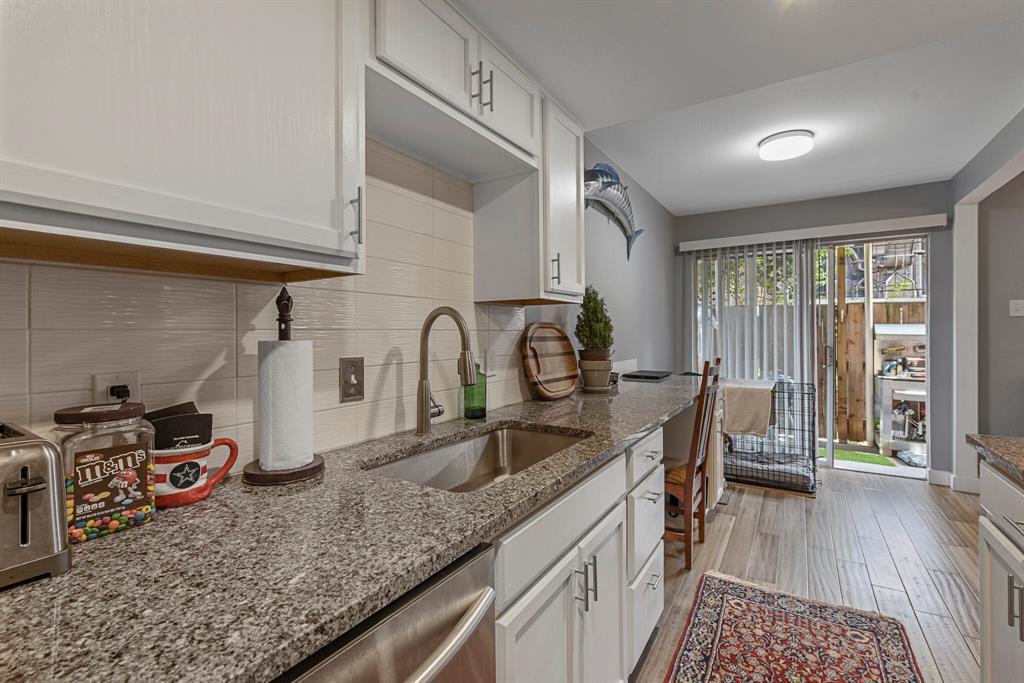 15914 Stillwood Street, Dallas, Texas 75248 - acquisto real estate best new home sales realtor linda miller executor real estate