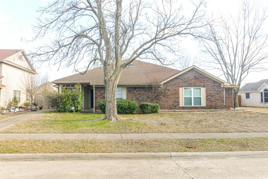 1724 Quail Run Drive, Garland, Texas 75040 - Acquisto Real Estate best plano realtor mike Shepherd home owners association expert