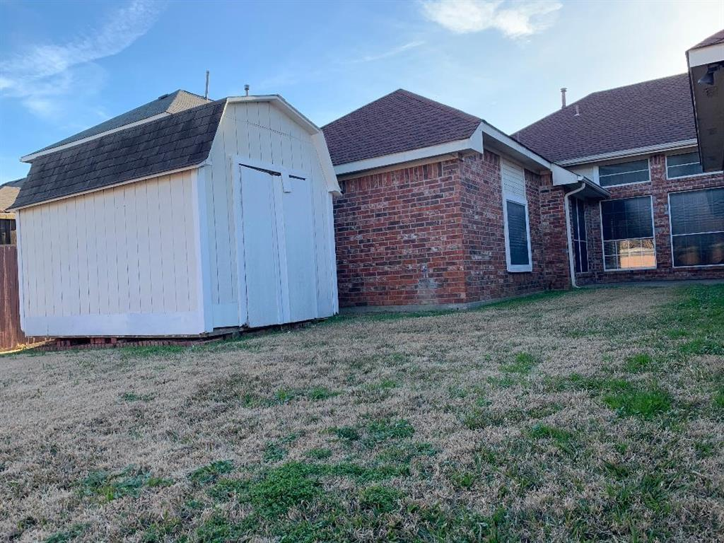 2305 Valley Falls Avenue, Mesquite, Texas 75181 - acquisto real estate best style realtor kim miller best real estate reviews dfw