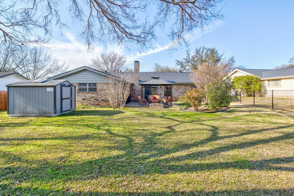 3825 Carman Drive, Benbrook, Texas 76116 - acquisto real estate best frisco real estate agent amy gasperini panther creek realtor