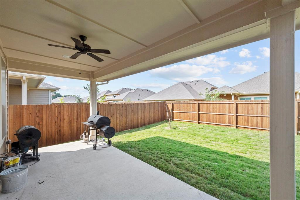 1912 Augustus Drive, Fort Worth, Texas 76120 - acquisto real estate best photo company frisco 3d listings