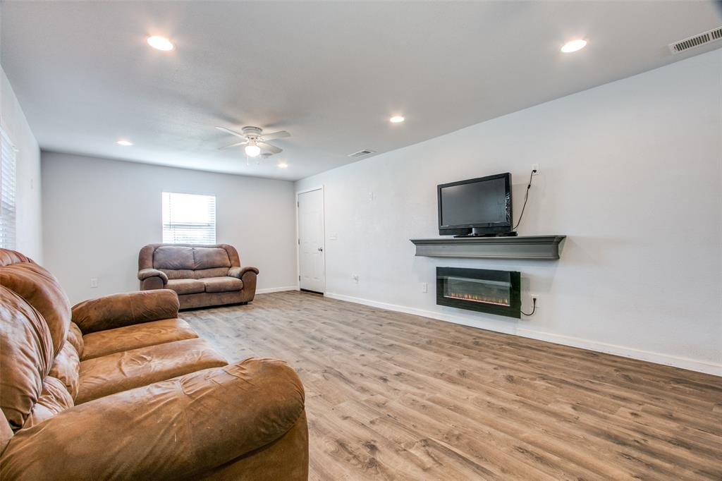 605 6th  Street, Justin, Texas 76247 - acquisto real estate best highland park realtor amy gasperini fast real estate service