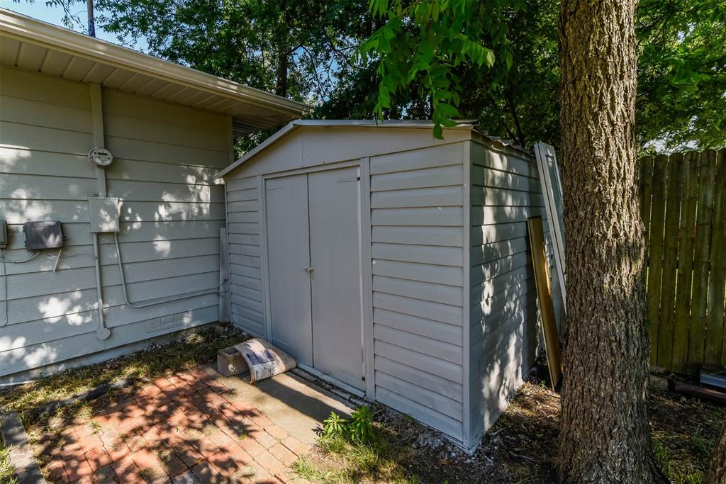 1508 Highland Avenue, Sherman, Texas 75092 - acquisto real estate best real estate company to work for