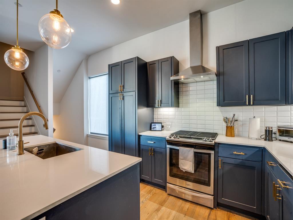 2115 Bennett Avenue, Dallas, Texas 75206 - acquisto real estate best real estate company in frisco texas real estate showings