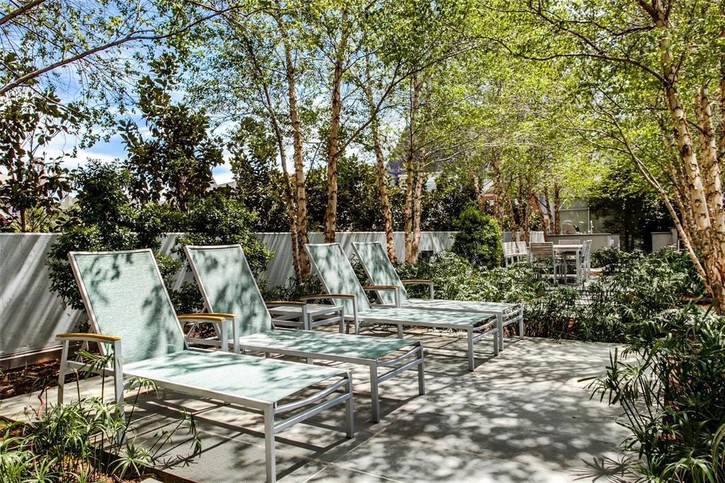 2900 Mckinnon  Street, Dallas, Texas 75201 - acquisto real estate best relocation company in america katy mcgillen
