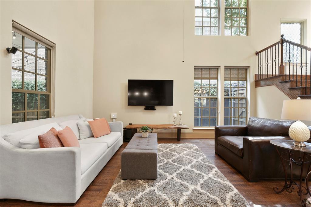 1054 Shadyside Lane, Dallas, Texas 75223 - acquisto real estate best the colony realtor linda miller the bridges real estate