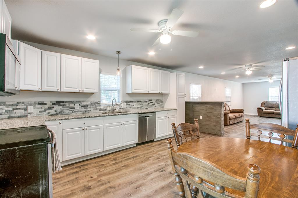 605 6th  Street, Justin, Texas 76247 - acquisto real estate best new home sales realtor linda miller executor real estate