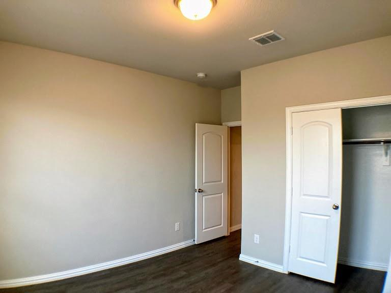 305 Laura Lane, Lewisville, Texas 75067 - acquisto real estate best real estate company to work for