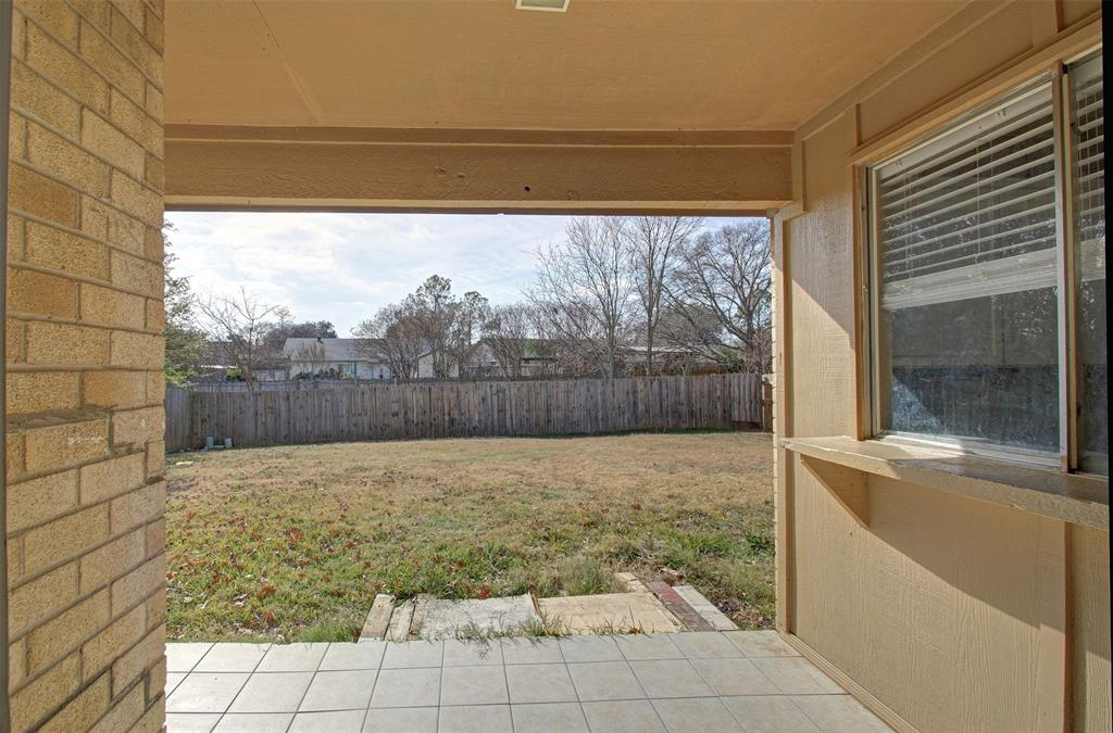1718 Briar Meadow Drive, Arlington, Texas 76014 - acquisto real estate best listing agent in the nation shana acquisto estate realtor