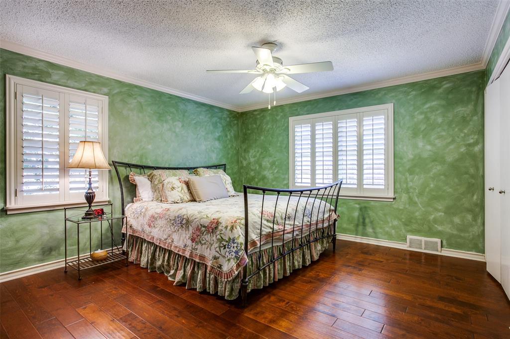 6840 Whitehill Street, Dallas, Texas 75231 - acquisto real estate best new home sales realtor linda miller executor real estate