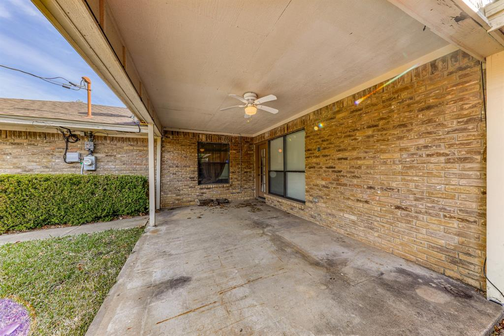 4000 Toledo Avenue, Fort Worth, Texas 76133 - acquisto real estate best plano real estate agent mike shepherd