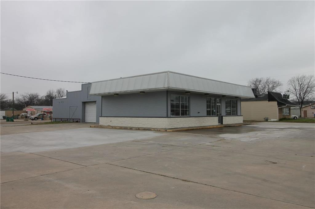 606 Highway 82  Gainesville, Texas 76240 - Acquisto Real Estate best plano realtor mike Shepherd home owners association expert