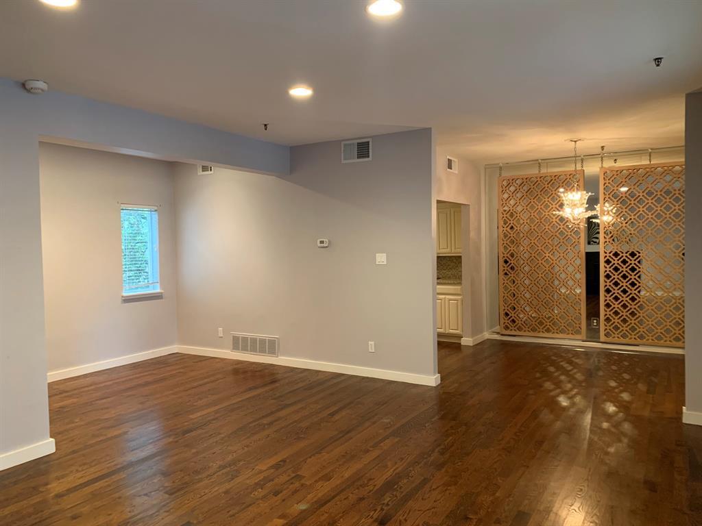 3906 Buena Vista Street, Dallas, Texas 75204 - acquisto real estate best prosper realtor susan cancemi windfarms realtor