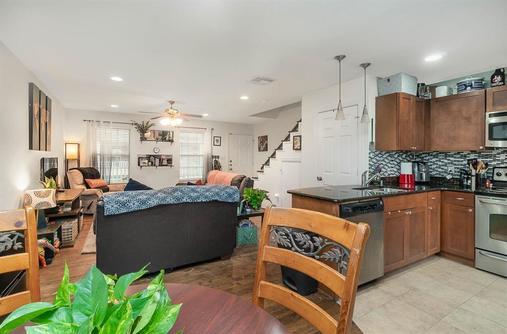 4702 Bradford Drive, Dallas, Texas 75219 - acquisto real estate best realtor dallas texas linda miller agent for cultural buyers