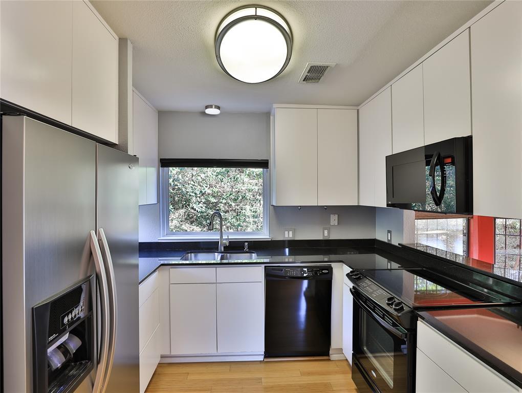 2643 Mccart Avenue, Fort Worth, Texas 76110 - acquisto real estate best allen realtor kim miller hunters creek expert