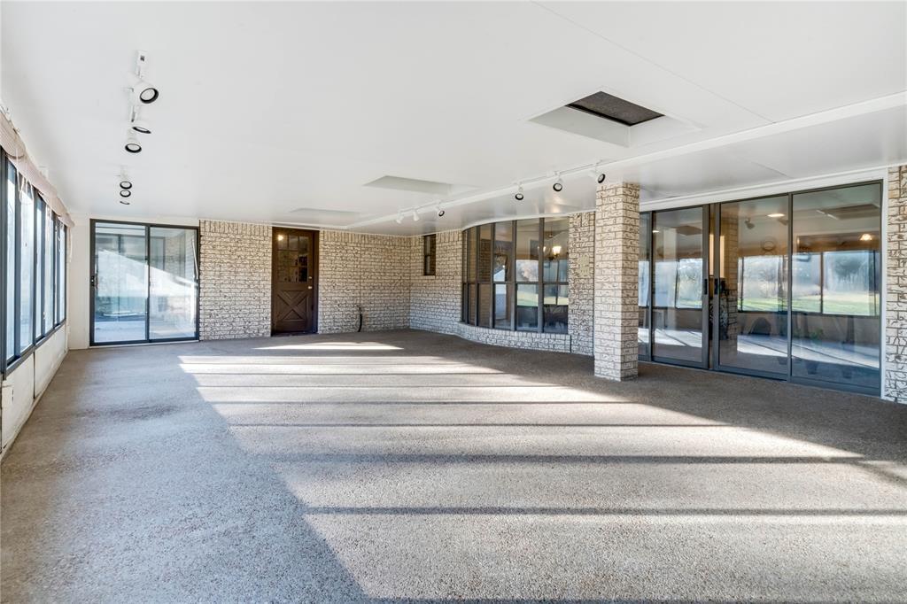 324 Shady Brook  Lane, Cedar Hill, Texas 75104 - acquisto real estate best realtor foreclosure real estate mike shepeherd walnut grove realtor