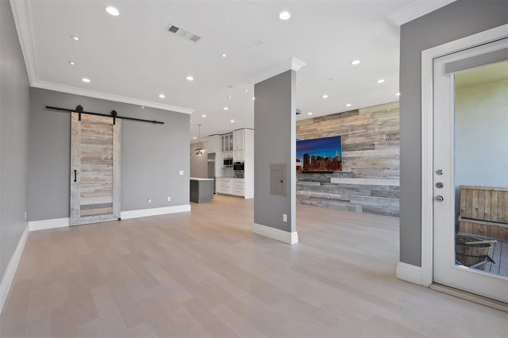 2950 Mckinney Avenue, Dallas, Texas 75204 - acquisto real estate best frisco real estate broker in texas for high net worth buyers
