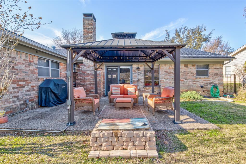 3825 Carman Drive, Benbrook, Texas 76116 - acquisto real estate best realtor foreclosure real estate mike shepeherd walnut grove realtor