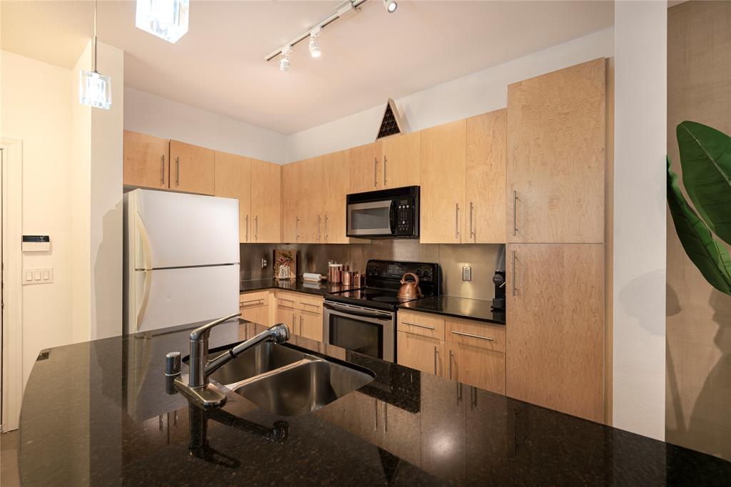 4111 Gilbert Avenue, Dallas, Texas 75219 - acquisto real estate best real estate company in frisco texas real estate showings