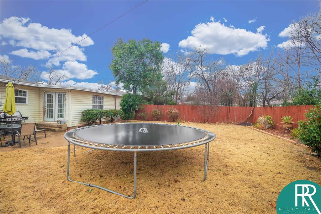 2210 Berkley Street, Brownwood, Texas 76801 - acquisto real estate best frisco real estate broker in texas for high net worth buyers