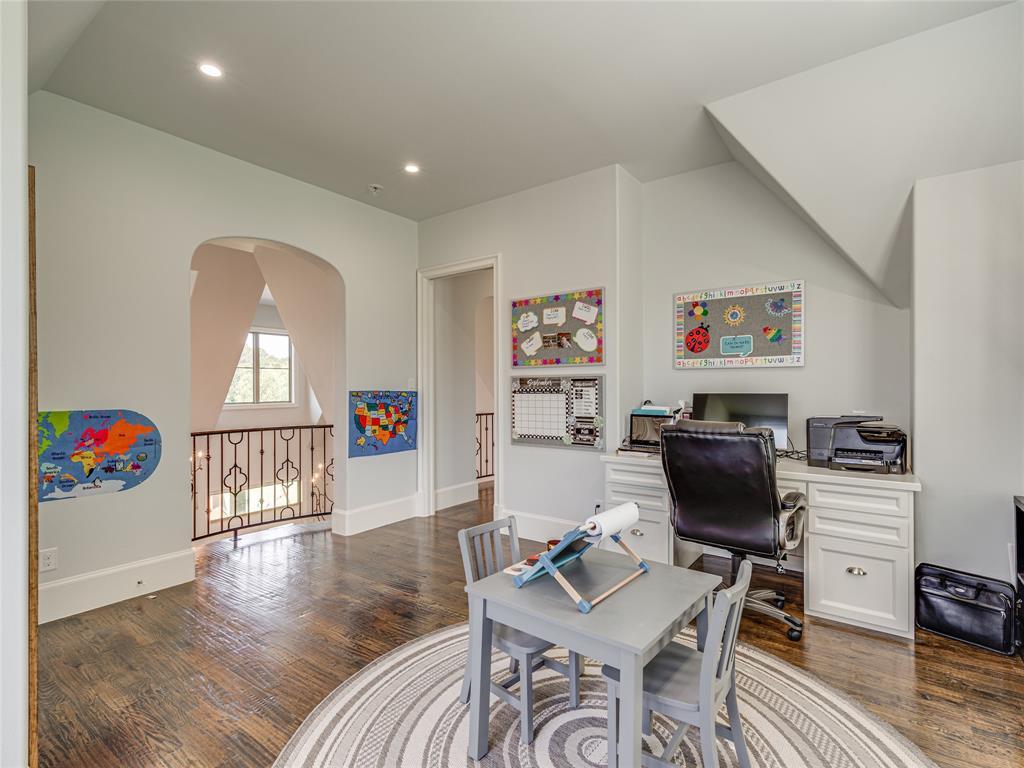 230 Oak Tree Drive, Waxahachie, Texas 75165 - acquisto real estate best negotiating realtor linda miller declutter realtor