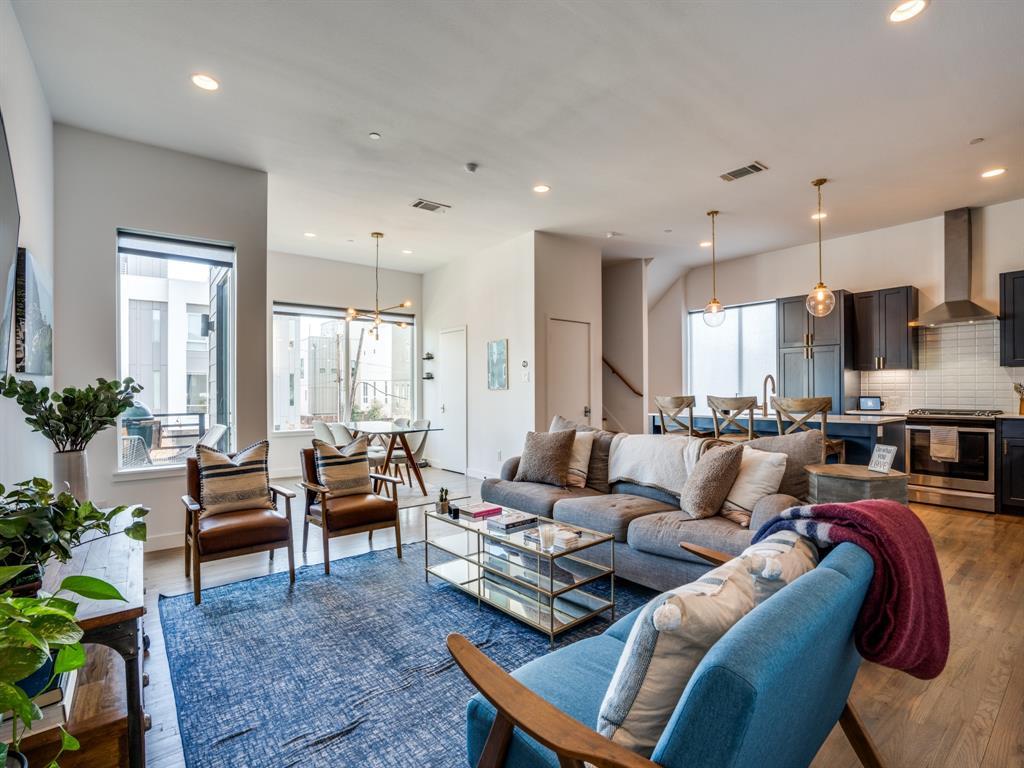 2115 Bennett Avenue, Dallas, Texas 75206 - acquisto real estate best luxury buyers agent in texas shana acquisto inheritance realtor