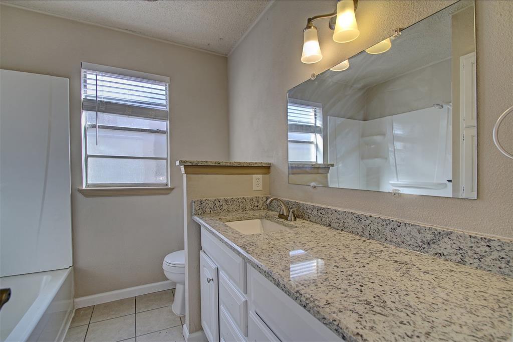 1718 Briar Meadow Drive, Arlington, Texas 76014 - acquisto real estate best luxury buyers agent in texas shana acquisto inheritance realtor