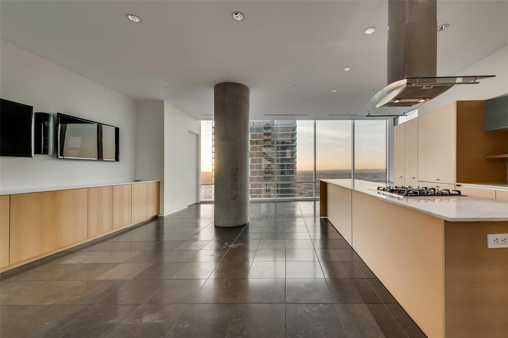 2430 Victory Park Lane, Dallas, Texas 75219 - acquisto real estate best real estate company to work for
