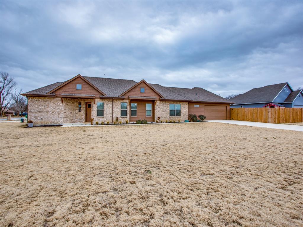 415 Montague Street, Pilot Point, Texas 76258 - Acquisto Real Estate best mckinney realtor hannah ewing stonebridge ranch expert