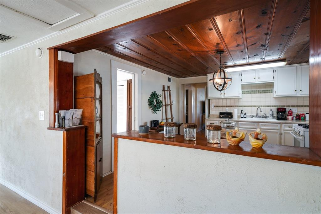 2014 Oak Avenue, Mineral Wells, Texas 76067 - acquisto real estate best new home sales realtor linda miller executor real estate