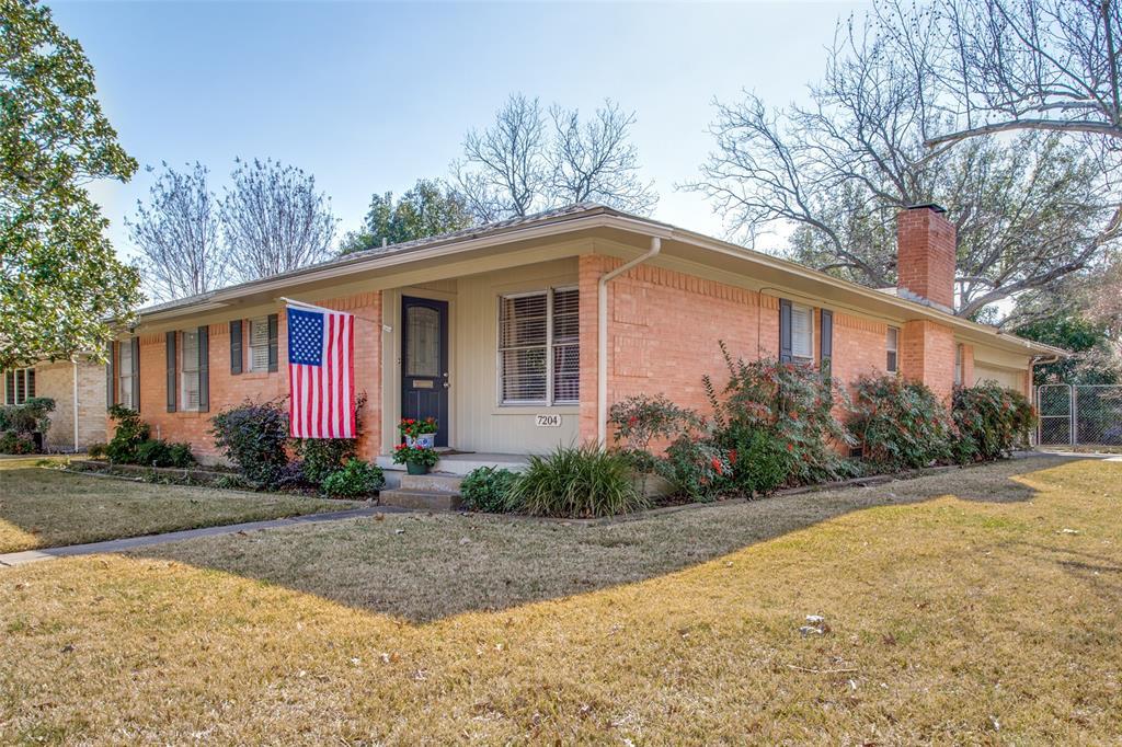 7204 Bennington Drive, Dallas, Texas 75214 - Acquisto Real Estate best frisco realtor Amy Gasperini 1031 exchange expert