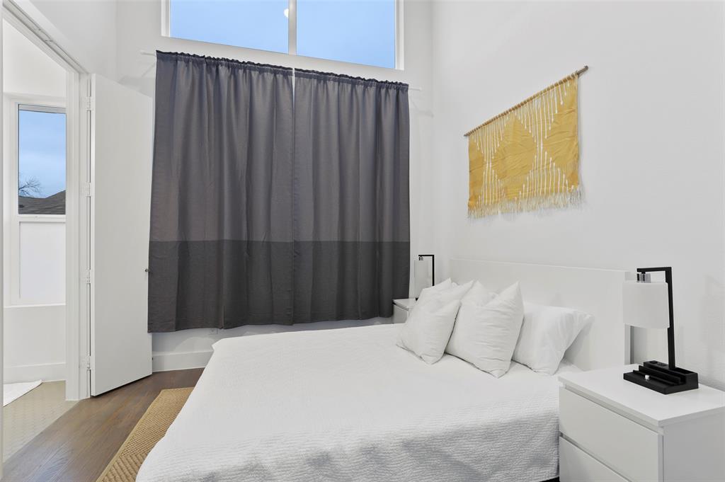 2226 Garrett Avenue, Dallas, Texas 75206 - acquisto real estate best investor home specialist mike shepherd relocation expert