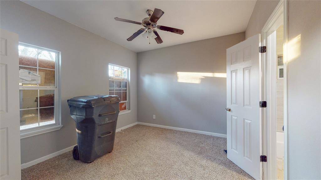 4835 Burnside Avenue, Dallas, Texas 75216 - acquisto real estate best investor home specialist mike shepherd relocation expert