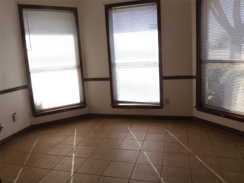 1300 Sparrow Court, DeSoto, Texas 75115 - acquisto real estate best prosper realtor susan cancemi windfarms realtor