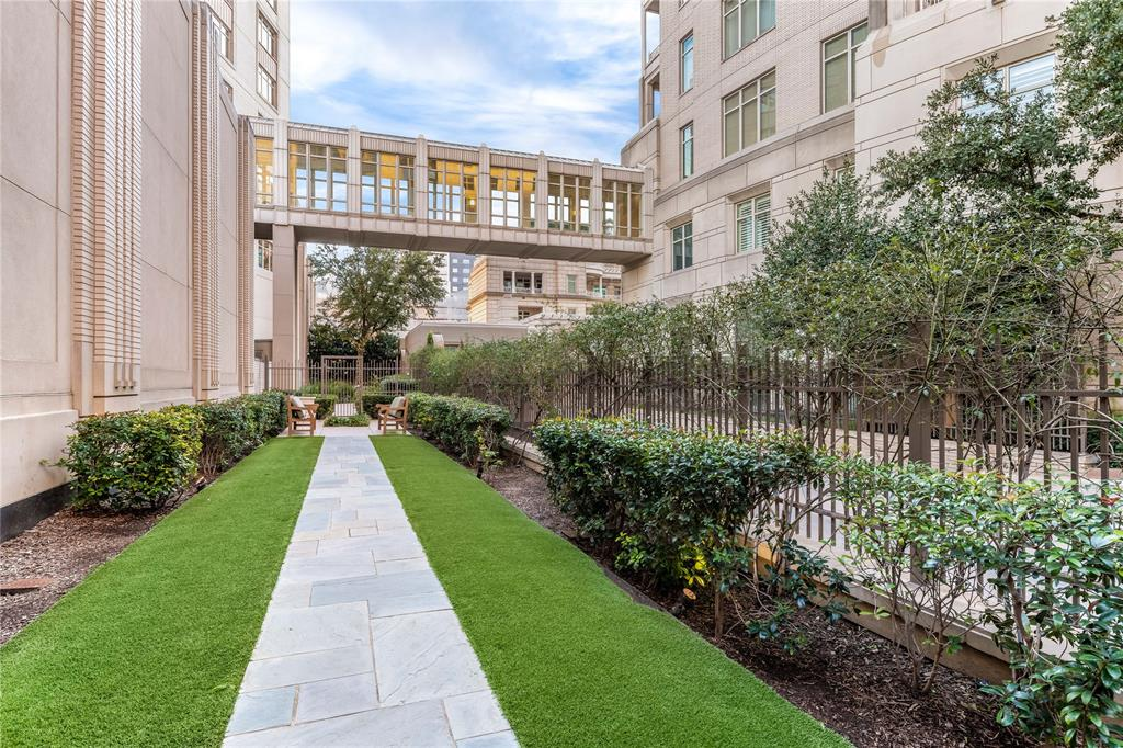 2555 Pearl Street, Dallas, Texas 75201 - acquisto real estate best investor home specialist mike shepherd relocation expert