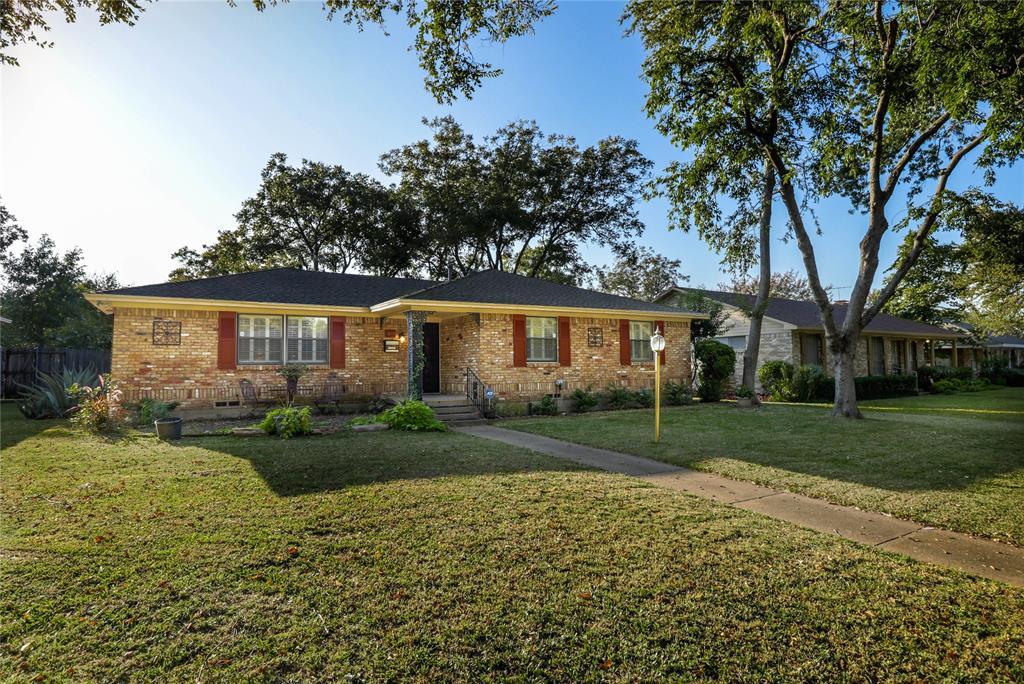 5819 Chapelwood Way, Dallas, Texas 75228 - Acquisto Real Estate best frisco realtor Amy Gasperini 1031 exchange expert