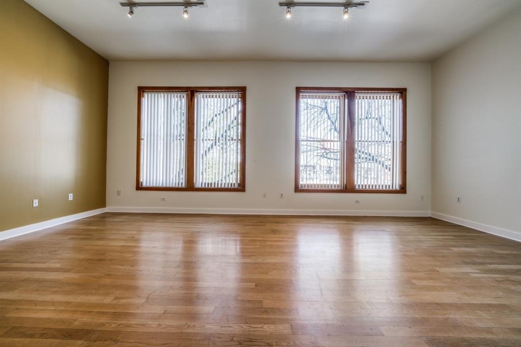 2502 Live Oak Street, Dallas, Texas 75204 - acquisto real estate best listing agent in the nation shana acquisto estate realtor