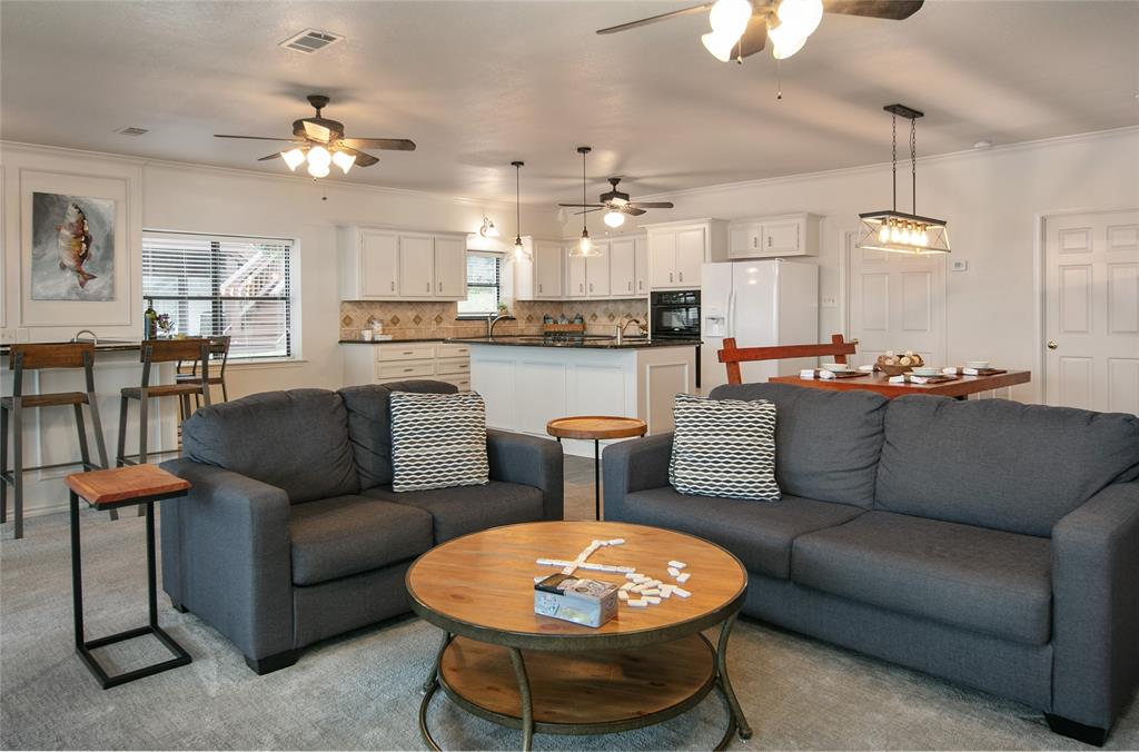 353 Winding Shore Drive, Tool, Texas 75143 - acquisto real estate best celina realtor logan lawrence best dressed realtor