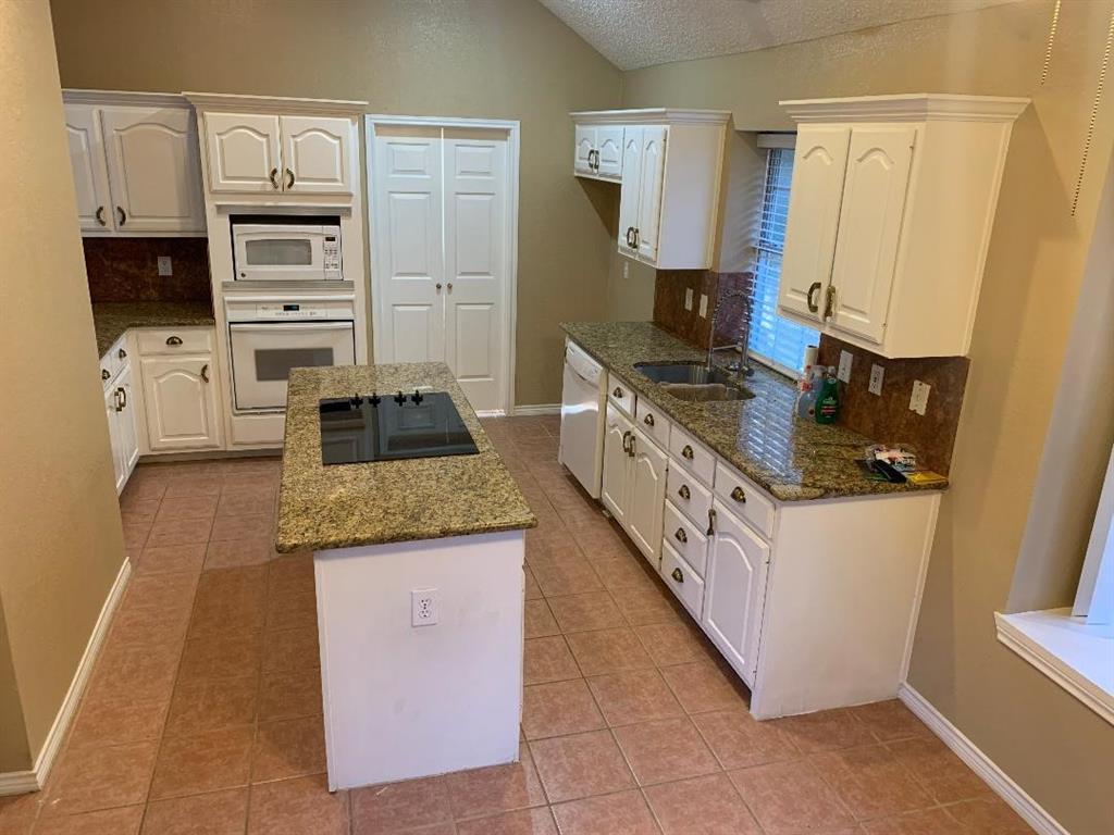 2305 Valley Falls Avenue, Mesquite, Texas 75181 - acquisto real estate best prosper realtor susan cancemi windfarms realtor