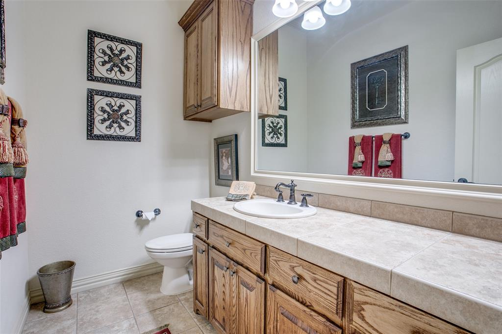 7920 Forest View Court, North Richland Hills, Texas 76182 - acquisto real estate best negotiating realtor linda miller declutter realtor