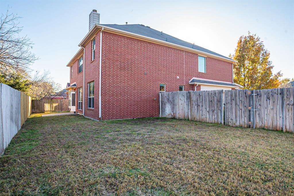 3920 Lochridge Court, North Richland Hills, Texas 76180 - acquisto real estate best realtor dfw jody daley liberty high school realtor
