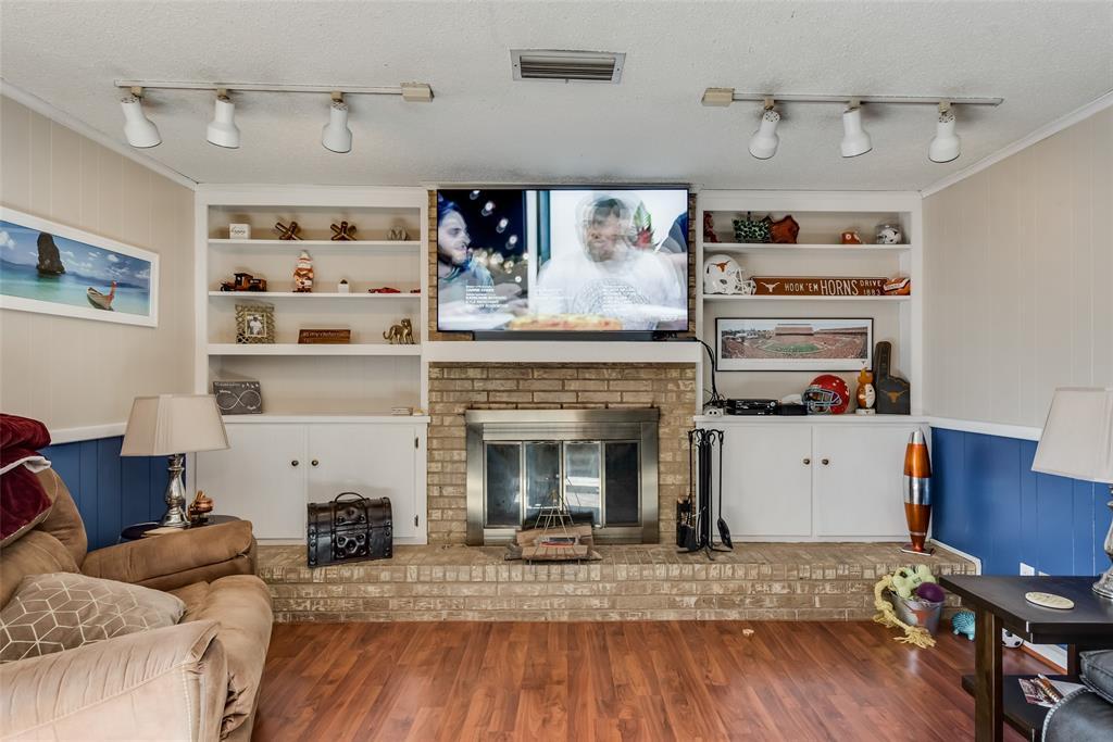 11615 Rogue Way, Dallas, Texas 75218 - acquisto real estate best celina realtor logan lawrence best dressed realtor