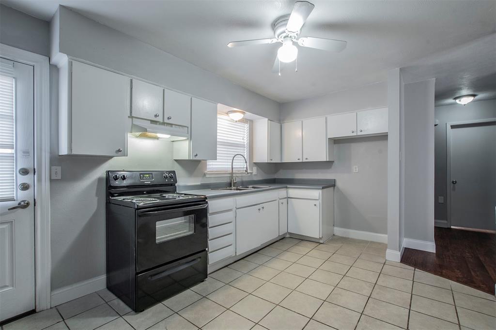 1317 Crockett Street, Garland, Texas 75040 - acquisto real estate best celina realtor logan lawrence best dressed realtor